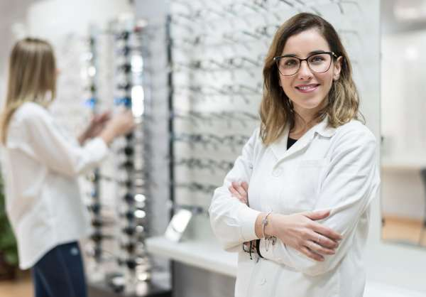 The Differences Between an Optometrist, Optician, and Ophthalmologist
