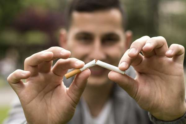 FYidoctors Blog | Smoking and Your Eyes